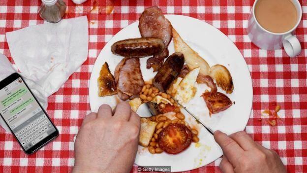健忘症患者容易进食过量,对上一餐的清晰记忆有助于抑制饥饿感。(图片来源: Getty Images)