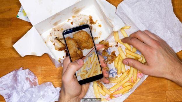 进行人为干预,提升对食品的注意力,可帮助人们有效减重。(图片来源: Getty Images)